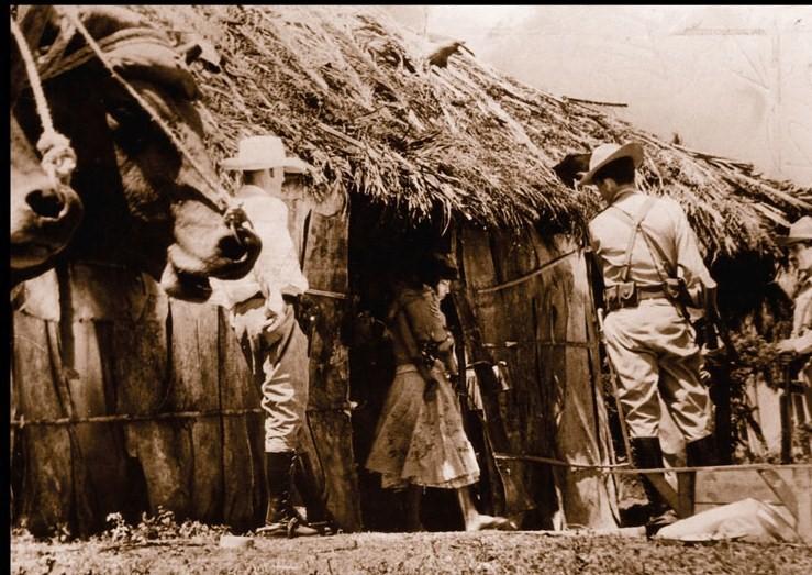 Desalojo del realengo Las Maboas ocurrido el 4 de marzo de 1958. Foto: archivo